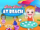 Hurra! Dieser Urlaub Baby Hazel ist froh, mit einem Strandgenuss von ihrer Mutt