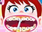 Baby-Lulu hat einige kariöse Zähne, die sie verletzen und unbequem machen. He
