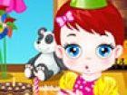 Baby-Lulu und ihre Mutter sophie feiern Baby-Lulu Geburtstag mit einer schönen