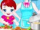 Baby-Lulu und ihre Mutter werden bei ihrer Küche kochen Abendessen. Hilfe Lulu
