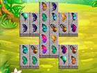 Verbinde die Schmetterlingsflügel und lass die Schmetterlinge davonfliegen