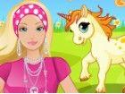 Barbie hat ein niedliches Pony und sie muss sich um ihn kümmern. Jeden Morgen