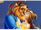 Machen Sie das Schöne und das Biest verlieben Sie sich in diesem Prinzessin k�
