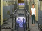 In diesem Fluchtspiel hat jemand den Mann in diesem Gefängnis gefangen. Si
