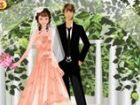 Jede Braut wäre so glücklich im schönen Kleid in ihre romantische Hochzeit.