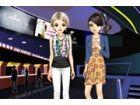 Diese zwei Freunde gerne verkleidet erhalten, wenn sie ins Kino gehen nur für