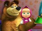 Mascha und der Bär ging auf eine lustige Abenteuer im Spielzeugfabrik ! Si
