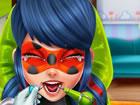 Unser lieber Freund Miraculous Ladybughat schreckliche Zahnschmerzen und