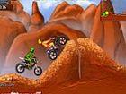 Motorrad Mania - Laufwerk des Computers auf den felsigen Hügeln der Canyons. I