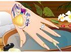Geben Sie diese hübsche Hand eine tolle Manik�...