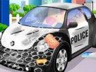 Aufräumen und reparieren diese Polizeiauto nach einer Verfolgung.