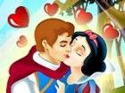 Snow White ist schließlich mit ihrem Prinzen charmant und sie wollen küssen,