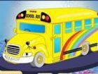 Der Schulbus holt Sie und sendet Sie zuhause je...