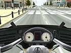Fahre mit deinem coolen Motorrad durch den Verkehr und weiche allen Fahrzeugen