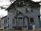 Stellen Sie sich vor, Sie sind in dieser Verlassene Gruselige Alte Haus eingesp
